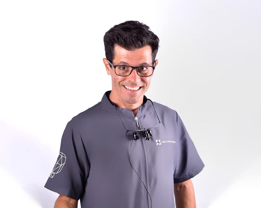 Dr. Ricardo Recena